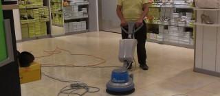 Mytí a čištění podlah
